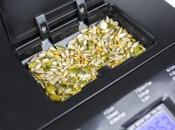 Andrew James - Automatischer Premium Brotbackautomat in Rot - Mit 12 vorprogrammierten Funktionen, automatischem Zutatenfach und Zeitverzögerungsfunktion - Inklusive 2 Jahren Garantie - 4