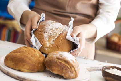 Wie wird saftiges Brot gebacken?